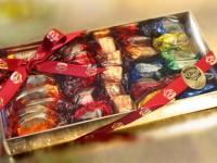 Caja de Discos de naranja con chocolate, frutas de Aragón y guirlachicos  - Bombonera Oro